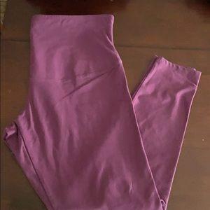 NWOT Yummie leggings